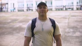 Taccuini maschii della tenuta del cadetto, istruzione militare, accademia di servizio, addestramento video d archivio