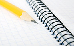 Taccuino e matita in bianco Immagini Stock Libere da Diritti