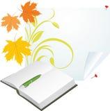 Taccuino, penna e foglie di acero alla pagina pura Immagini Stock