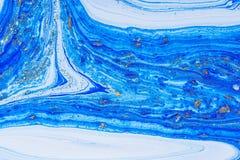 Tache acrylique liquide de couleur photographie stock libre de droits