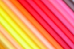 Tache floue d'une partie de crayons colorés photos stock