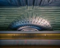 Tache floue de souterrain dans la station de métro de Washington DC image libre de droits