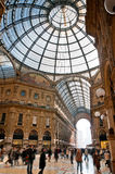 Tache floue de Vittorio Emanuele Milan de rampe images stock