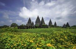 Taches de touristes indonésiennes de temple de Prambanan Images libres de droits