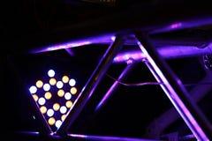 Taches violettes - réflexion de la lumière sur la structure métallique image libre de droits