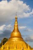 Tachileik Shwedagon pagod arkivbilder