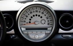 Tachimetro di un'automobile Immagine Stock