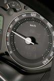 Tachometr que muestra velocidad legal Fotografía de archivo