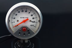 Tachymètre dans la voiture pour la mesure la vitesse Image libre de droits