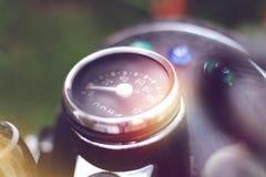 Tachymètre de moto avec l'anneau de chrome photos libres de droits