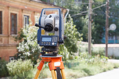 Tachymeter a theodolite for the rapid measurement of distances in surveying Stock Images