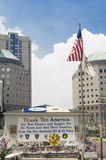 Tacka dig Amerika - minnesmärken för WTC Royaltyfri Bild