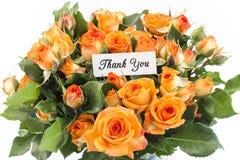 Tacka dig att card med buketten av orange rosor Fotografering för Bildbyråer