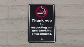 Tacka dig för att respektera vårt icke-röka miljötecken stock video