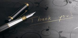 Tacka dig kortet, tacksamhetmeddelandet som är skriftligt i guld- bokstäver stock illustrationer