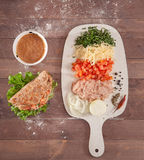 Taco και ingridients στο ξύλινο υπόβαθρο Στοκ φωτογραφία με δικαίωμα ελεύθερης χρήσης