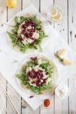 Taco's met arugula, quinoa en zwarte bonen Royalty-vrije Stock Afbeeldingen