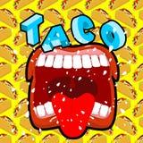 Taco scherp Mexicaans voedsel Open uw mond en vooruitstekende tong Stock Afbeeldingen