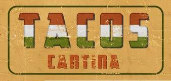 Taco'steken Cantina op doorstaan wordt geschilderd muur die uitstekende oud stock foto's