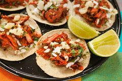 Tacoalpastor, mexikanischer Taco, Stra?ennahrung in Mexiko City stockbild