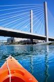 Tacoma śródmieście od wody podczas gdy kayaking zdjęcie stock