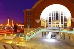 Tacoma som är i stadens centrum med museet av historia, och kabel överbryggar royaltyfri fotografi