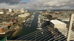 Tacoma Washington Thea Foss Waterway Suspension Bridge stad av öden lager videofilmer