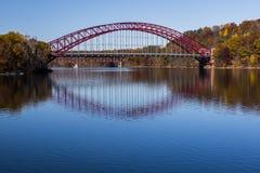 Taconic γέφυρα αψίδων χάλυβα χώρων στάθμευσης - νέα δεξαμενή Croton - Νέα Υόρκη στοκ εικόνες με δικαίωμα ελεύθερης χρήσης