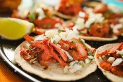 Tacos al pastor, meksykański taco, uliczny jedzenie w Mexico - miasto fotografia royalty free