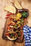 Tacos com carne picada, milho e os feijões vermelhos Imagem de Stock Royalty Free