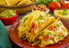 Tacos curruscantes de la carne de vaca Imagen de archivo libre de regalías