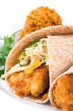 Tacos de pescados crujiente fotos de archivo