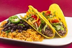 Tacos mexicanos con arroz y habas Imagen de archivo libre de regalías