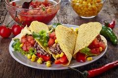 Tacos mexicanos de la comida Fotos de archivo libres de regalías