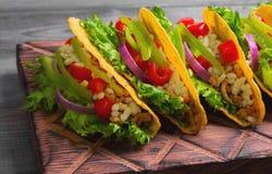 Tacos mexicanos do alimento fotografia de stock