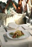 Tacos servidos en un restaurante Imagen de archivo libre de regalías