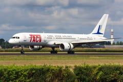 TACV Boeing 757 Royaltyfria Bilder