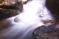 tad kaeng nyui瀑布的软性 库存图片