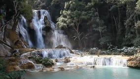 Tad Kuang Si Waterfall maravilloso en Laos metrajes