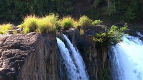 Tad Lo siklawa w Bolaven plateau, Laos zbiory