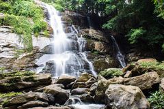 Tad Mork Water Fall en Maerim, Chiangmai Tailandia Imagen de archivo