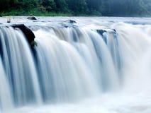 Tad-PA Suam Wasserfall lizenzfreie stockbilder