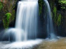 Tad-PA Suam Wasserfall lizenzfreies stockbild