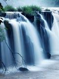 Tad-PA Suam Wasserfall lizenzfreie stockfotos