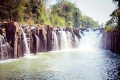 Tad Pha Souam vattenfallet Fotografering för Bildbyråer