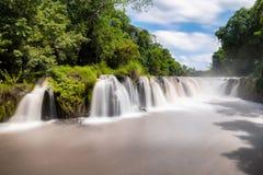 Tad Pha Souam vattenfallet i Laos Arkivbild