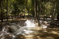 Tad SAE Wasserfall lizenzfreie stockbilder
