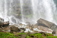 Tad TaKet vattenfall, stor vattenfall för A i djup skog på den Bolaven platån, förbudNung lunga, Pakse, Laos Fotografering för Bildbyråer