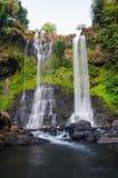 Tad Yueang stor vattenfall Arkivfoto