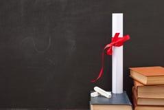 Tafel mit einem Diplom Lizenzfreies Stockbild